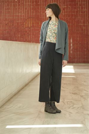 Picture of high waist pants in coal grey