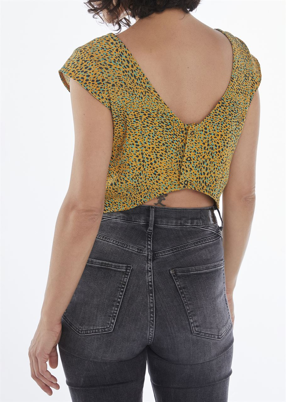 Picture of low back crop top animal