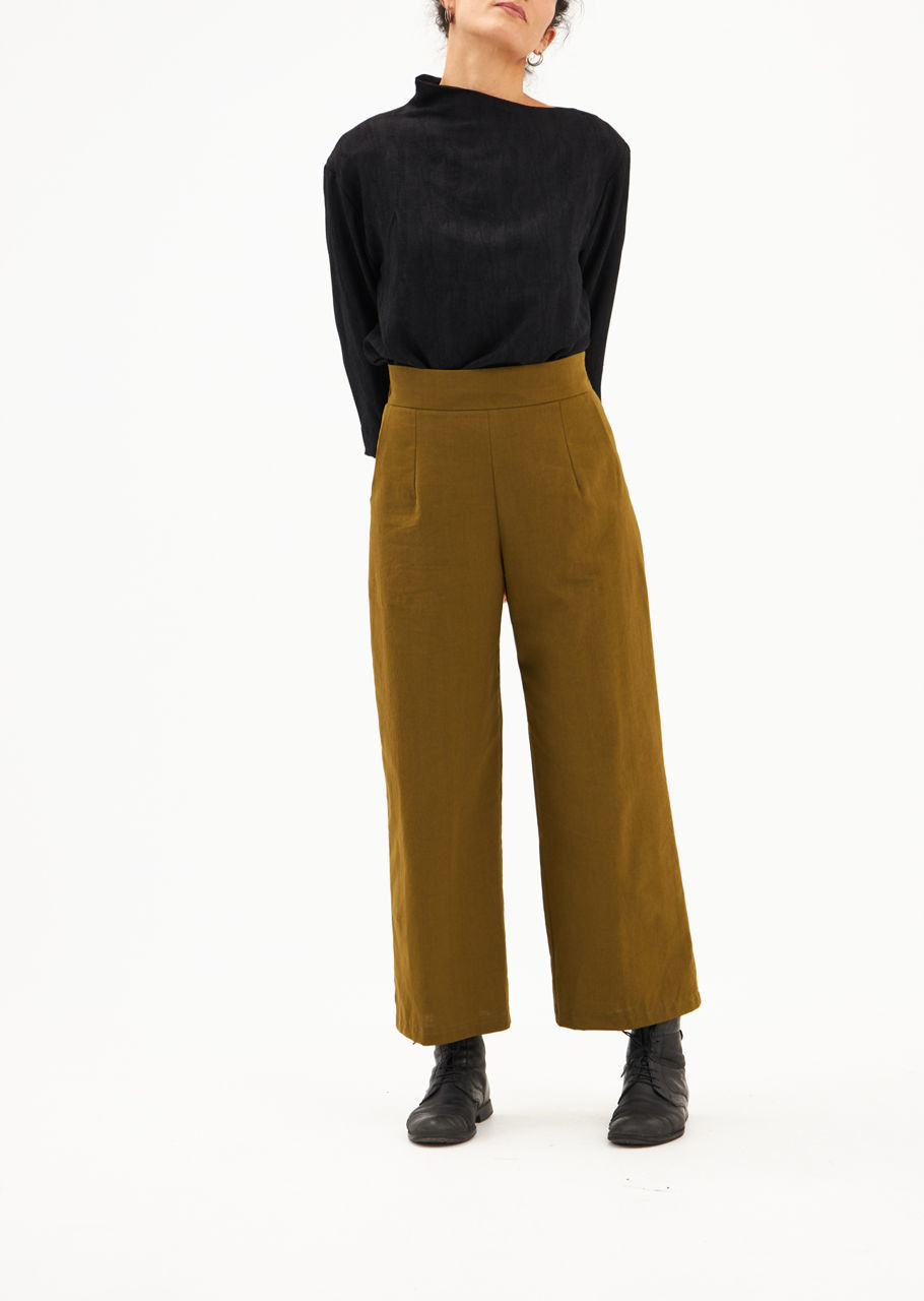 Picture of high waist pants in olive